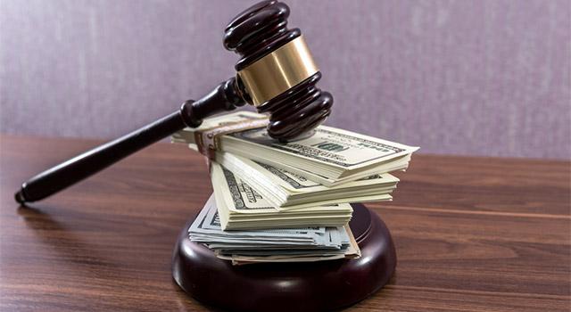 クレジットカードの支払いを滞納するとどうなる?裁判の可能性について