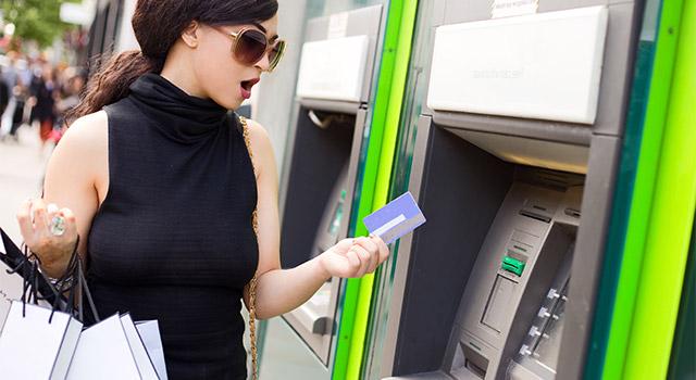 限度額オーバーや支払い延滞以外にも利用停止になるケースがある