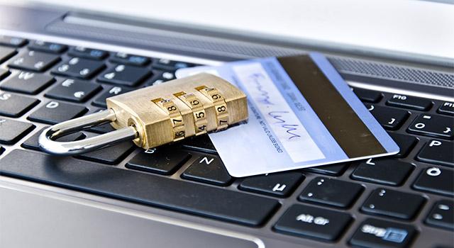他人名義のクレジットカードで現金化は可能なのか?